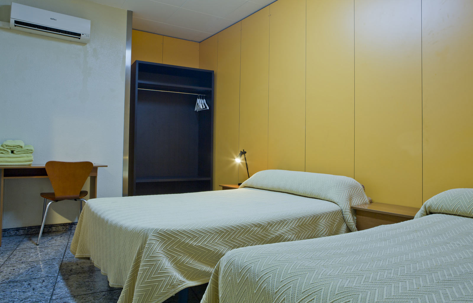 Foto hostal par s centro di barcellona sito web ufficiale for Prenotare hotel barcellona