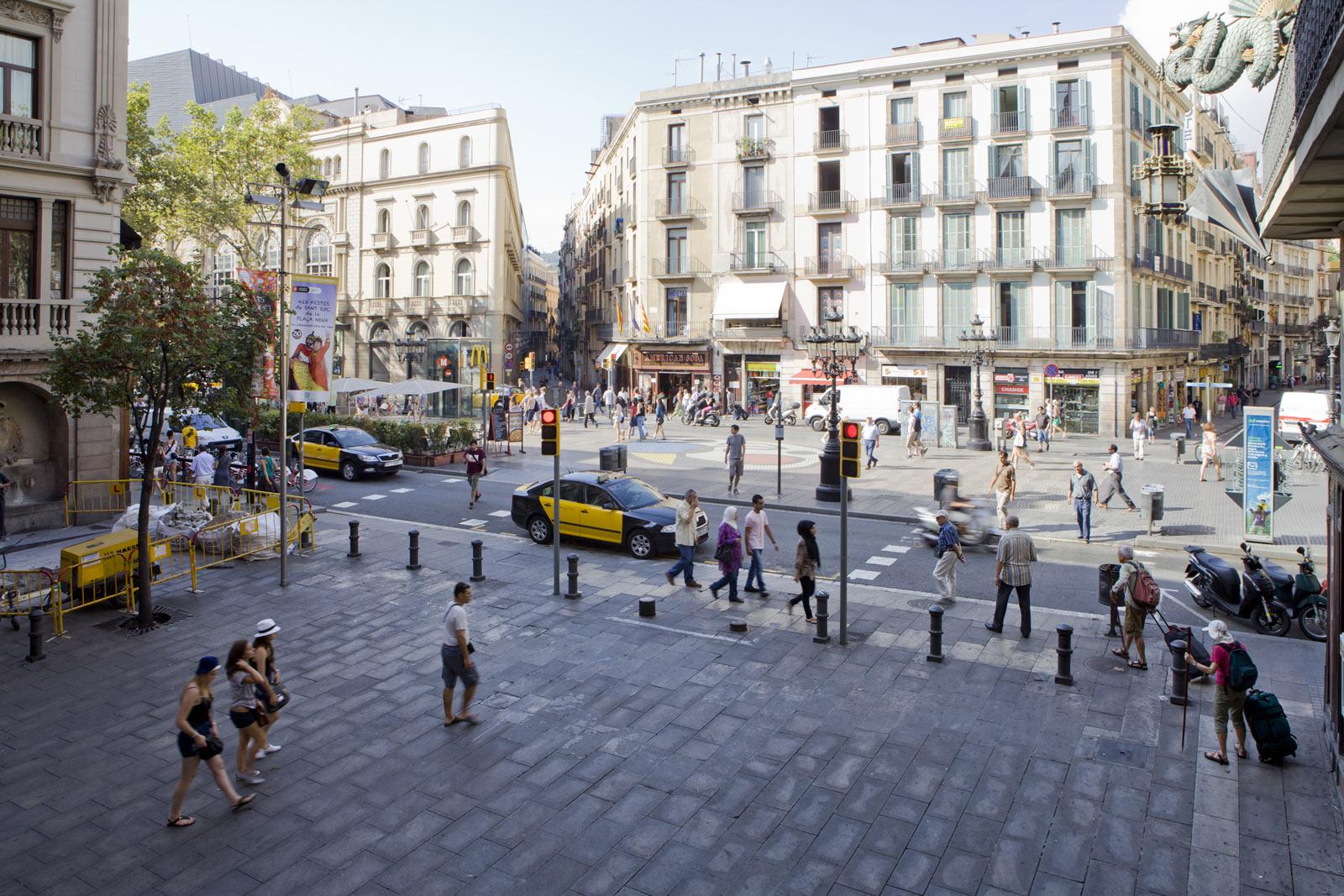 Foto hostal par s centro di barcellona sito web ufficiale for Hotel paris barcelona